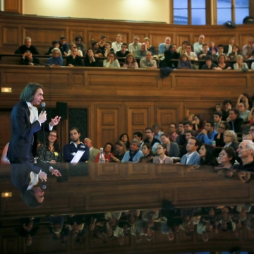 Cédric Villani and the public of the Cité de la réussite